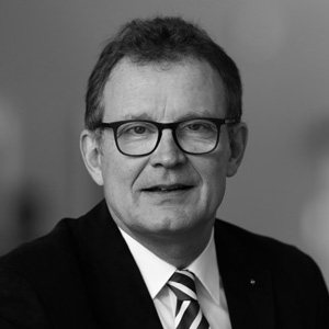 Manfred Schubert-Zsilavecz